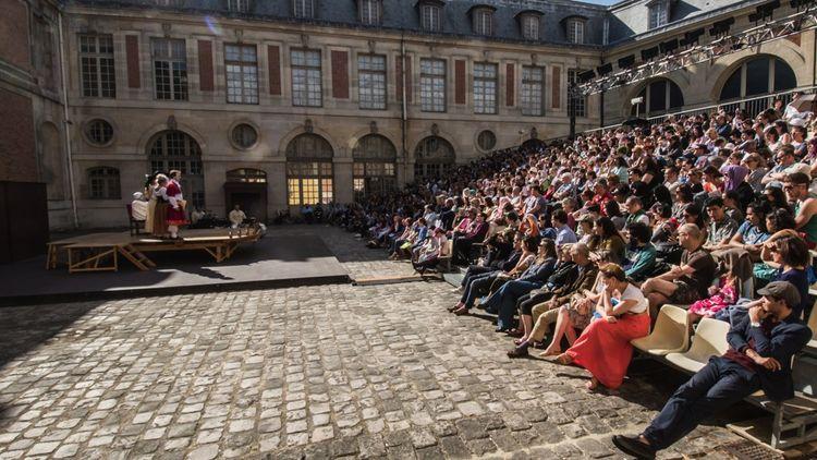 Comme au festival d'Avignon, le Mois Molière a sa cour d'honneur.