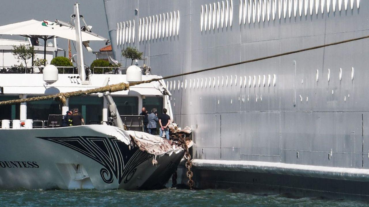 Le bateau de promenade touristique «River Countess» a été heurté ce dimanche par le paquebot de croisière «MSC Opera», dont l'équipage a perdu le contrôle alors qu'il s'apprêtait à accoster à Venise.