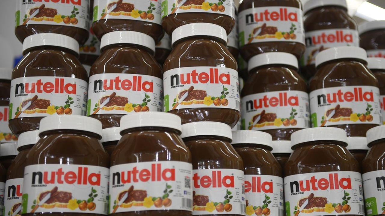 En temps normal, l'usine produit 600.000 pots de Nutella par jour, ce qui représente 25% de la production mondiale du groupe qui possède en tout 22 sites et emploie 30.000 personnes dans le monde.