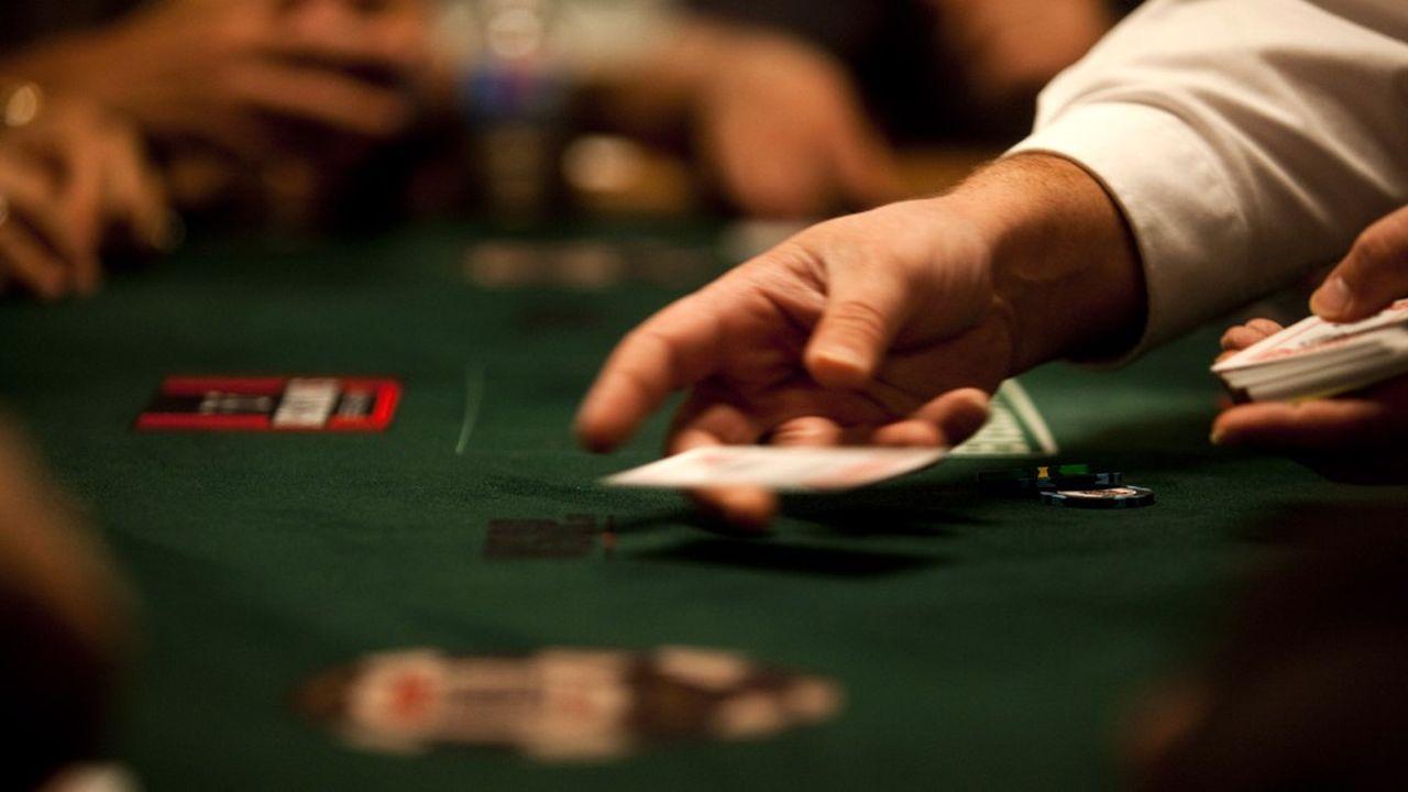 Les gérants de hedge funds qui jouent au poker (World Series of Poker, WSOP) pendant leurs temps libres sont plus performants que les autres