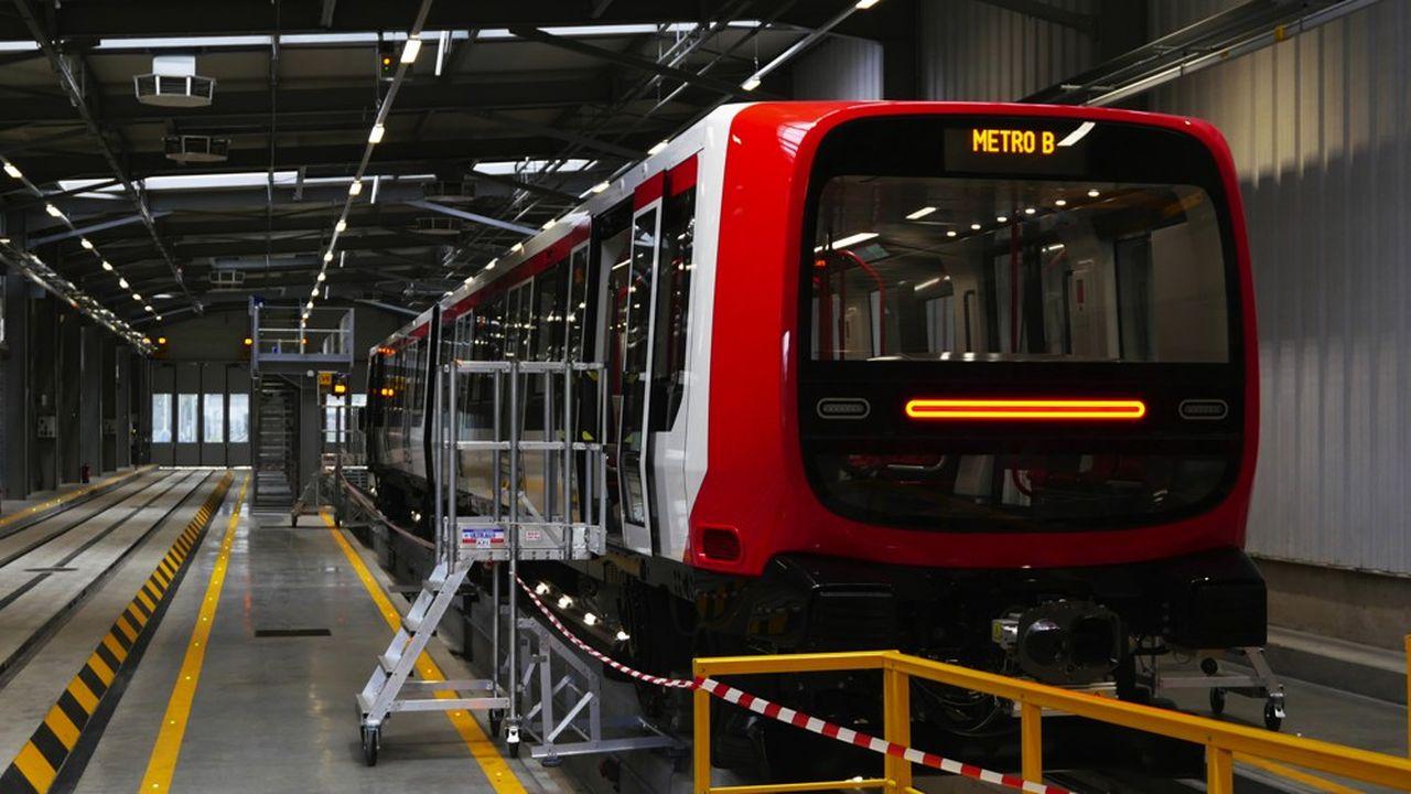 Les nouvelles rames MPL16 de 36 mètres de long, d'une capacité de 325 places, sont composées de deux voitures communicantes par un soufflet, afin de favoriser la fluidité des mouvements de passagers.