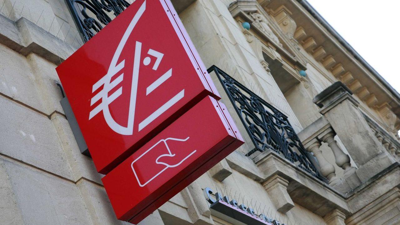 La CGT a lancé une «action de groupe» pour faire cesser la discrimination envers les femmes au sein de la Caisse d'Epargne Île-de-France, où les femmes gagnent en moyenne, selon le syndicat, 18% de moins que les hommes.
