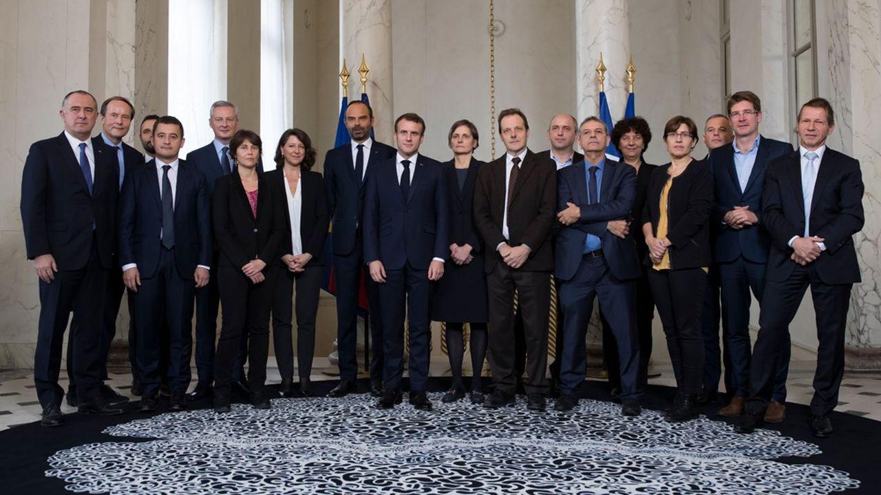 Les 13 membres du Haut Conseilpour le climat, le jour de son installation par le président de la République, en novembre dernier. Deux d'entre eux, Pierre Larrouturou et Pascal Canfin, élus députés européens, s'en sont retirés.