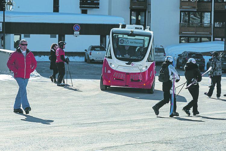 Dotée de quatre roues motrices une navette autonome a été testée à Val-Thorens.