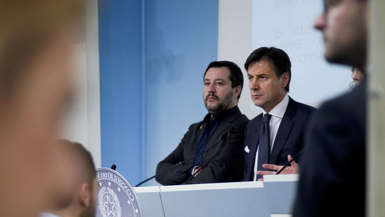 Le vice-président du Conseil italien Matteo Salvini et le président du Conseil Giuseppe Conte.