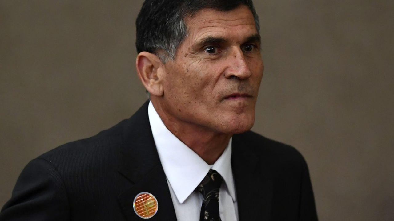 Carlos Alberto dos Santos Cruz, est chargé notamment de la relation entre l'exécutif et le Parlement. Il est l'un de ceux qui expliquent la politique de Jair Bolsonaro.
