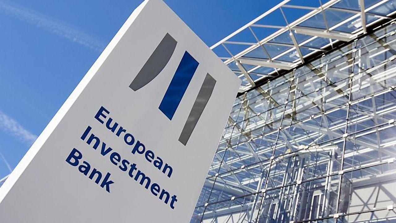 La banque européenne d'investissement (BEI), HSBC et Crédit Agricole viennent de signer un accord visant à soutenir le financement de PME françaises. Une partie des fonds est allouée à des projets «verts».