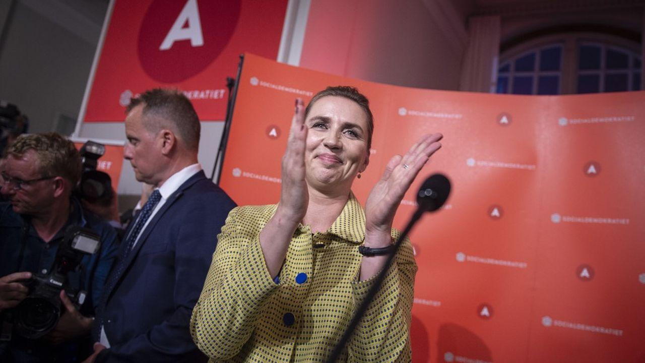 La coalition de centre gauche menée par le parti social -démocrate de Mette Frederiksen a remporté 96 sièges lors des dernières législatives. Agée de 41 ans, elle est en passe de devenir la plus jeune Première ministre du Danemark.