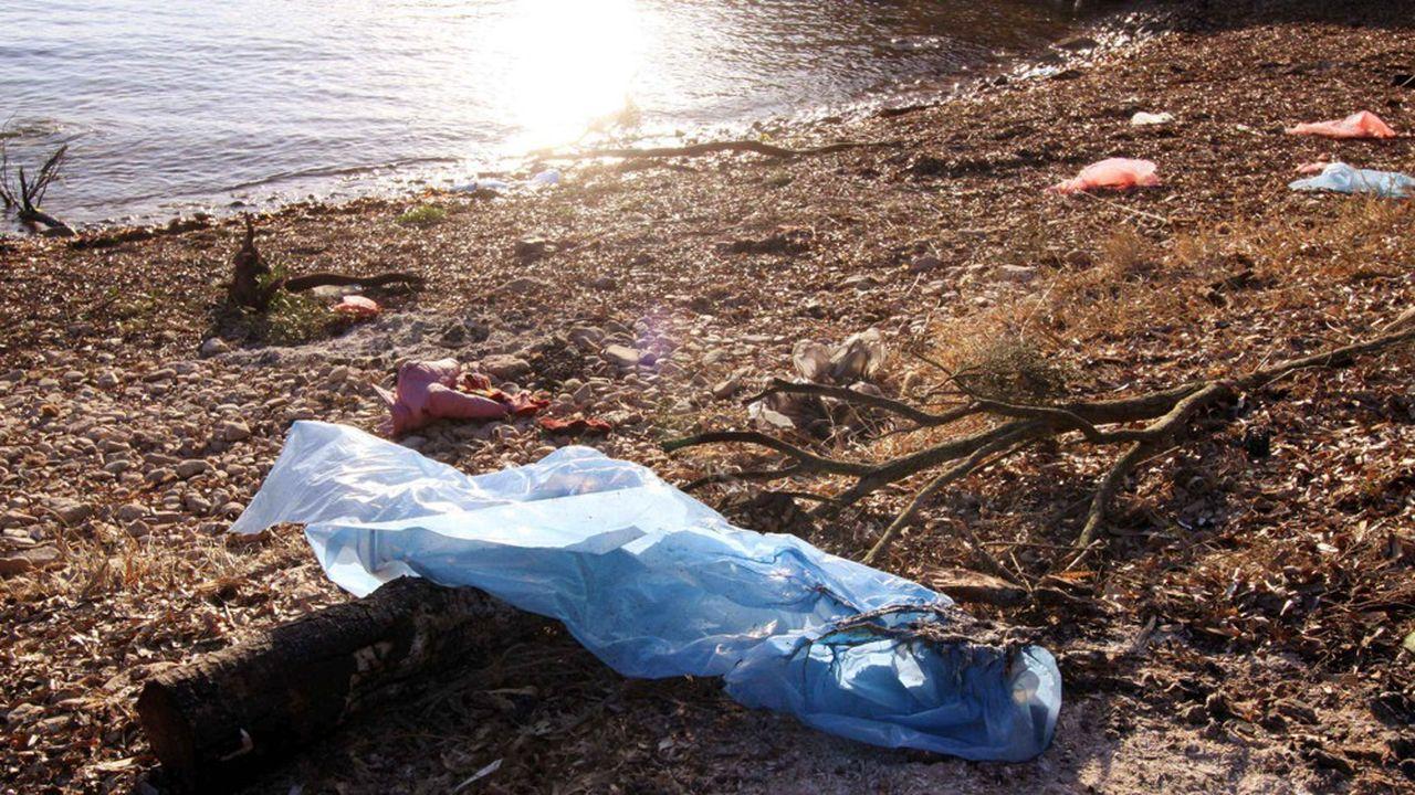 Le système de recyclage des déchets est moins performant dans les départements méditerranéens et en Corse qu'ailleurs (photo: la plage de Paraguano, près de Bonifacio)