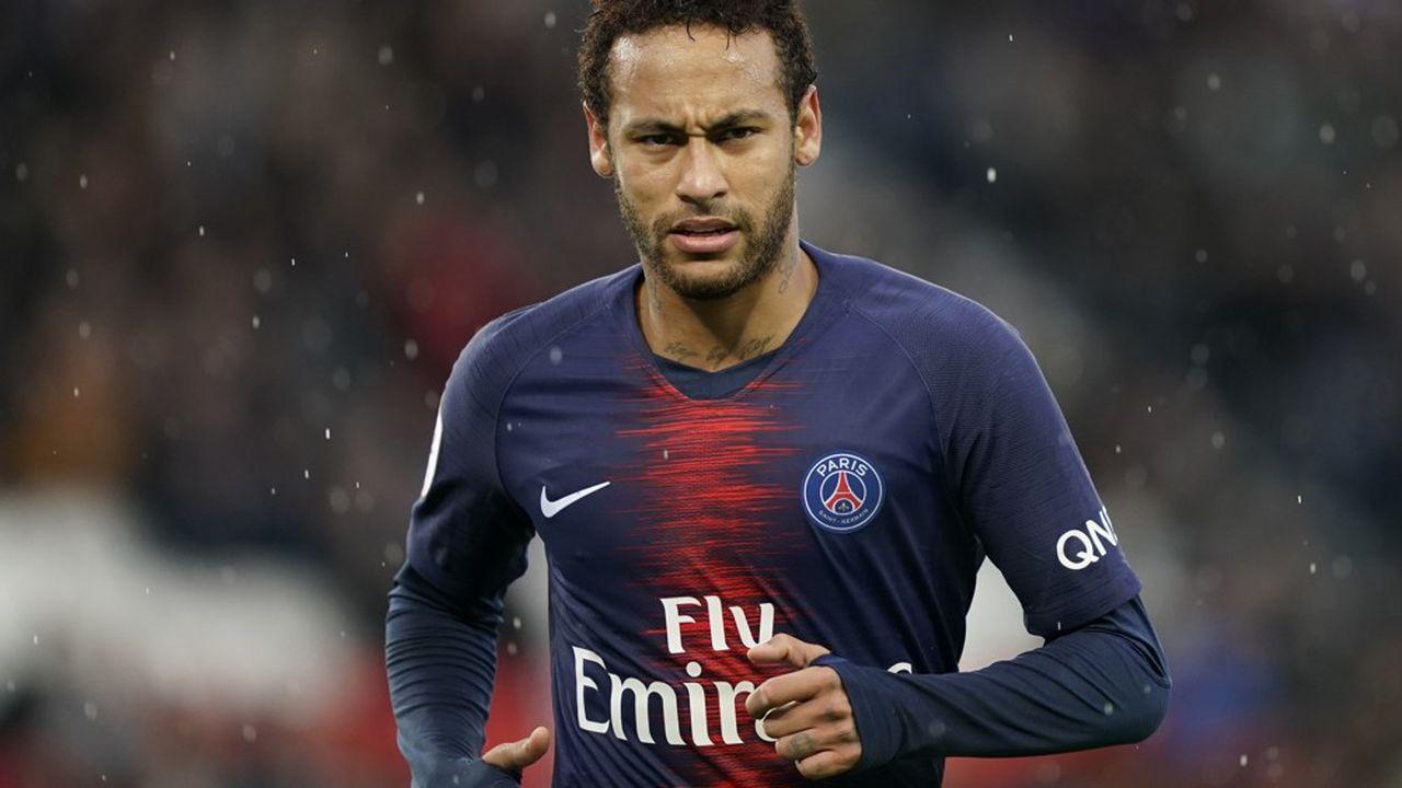 Si les faits de viol sont avérés, le discrédit pourrait aussi rejaillir sur le Paris Saint-Germain, dont Nike est d'ailleurs le sponsor maillot.