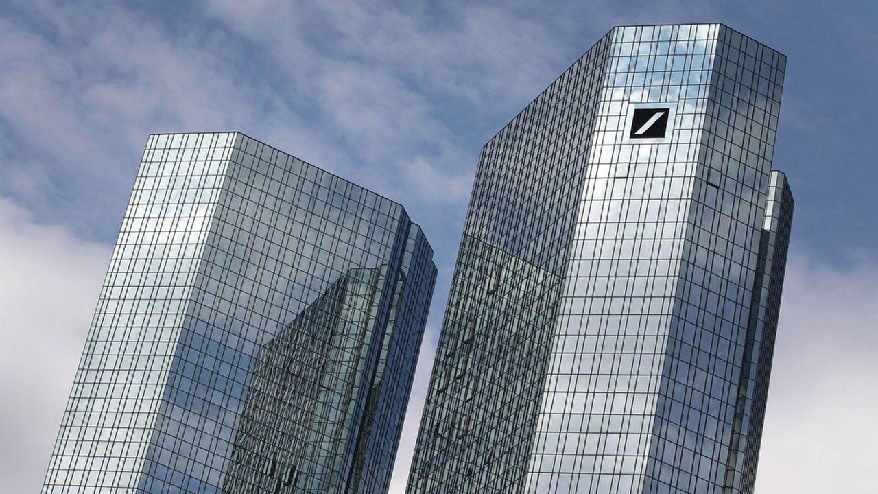 Le chef de la banque d'investissement ainsi qu'un ancien dirigeant de Deutsche Bank sont dans le viseur des enquêteurs allemands dans une affaire de pratique fiscale frauduleuse.