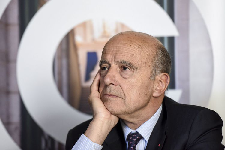 Alain Juppé a pris ses distances avec Laurent Wauquiez, un an avant de quitter la vie politique.