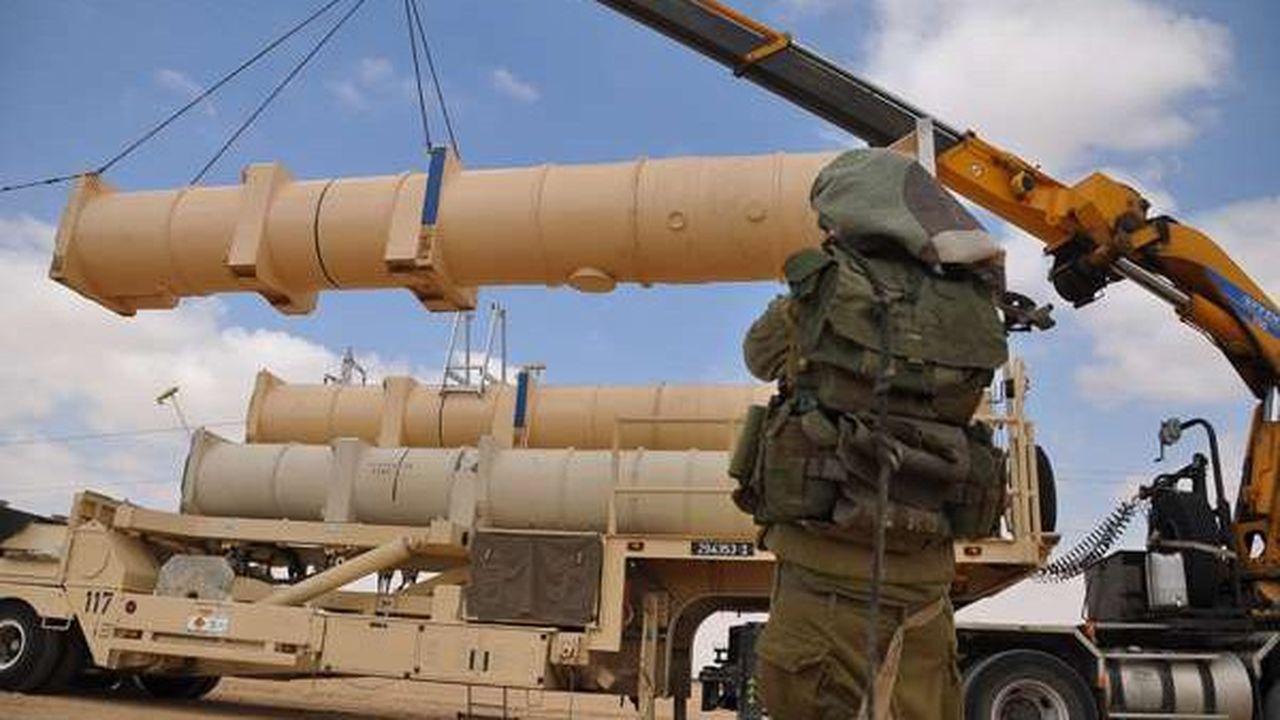 Raytheon (67.000 employés) est considéré comme la troisième entreprise mondiale d'armement. L'un de ses produits phare à l'exportationest son système de défense antimissiles sol air Patriot.