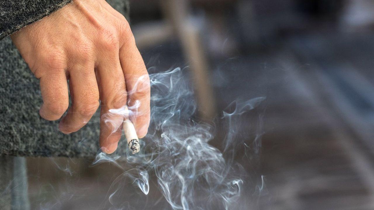 En deux ans, le taux de fumeurs dans la population a reculé de quatre points.