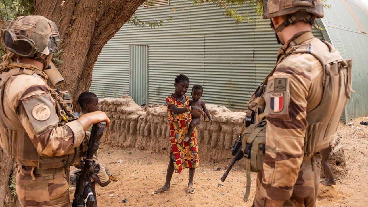 Les soldats français, comme ici en avril dernier dans la région de Tombouctou, participentdepuis 2013 à la stabilisation du Mali, mais la situation ne s'améliore plus depuis deux ans.