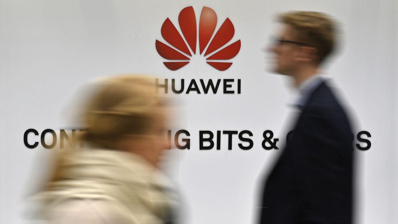 Avec presque 18% du marché au premier trimestre 2019, Huawei est le deuxième fabricant mondial de smartphones, derrière Samsung (22%) mais devant Apple (13%), selon Strategy Analytics.