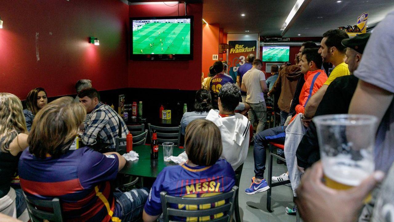 L'application de la ligue de football professionnelle espagnole utilisait le micro de ses utilisateurs pour traquer les retransmissions de match illégales.