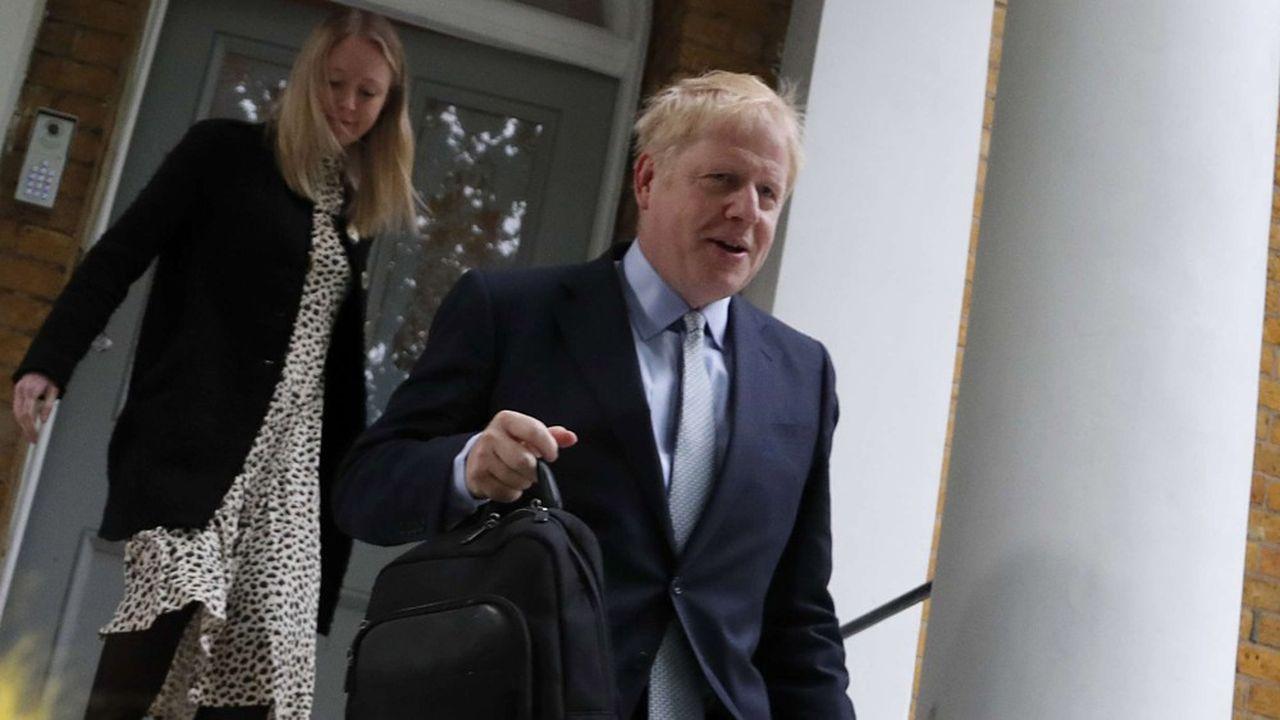 Boris Johnson est actuellement considéré par les députés «tory» comme l'homme providentiel pour débloquer la situation sur le front du Brexit comme pour juguler la montée en puissance du Brexit Party de Nigel Farage.