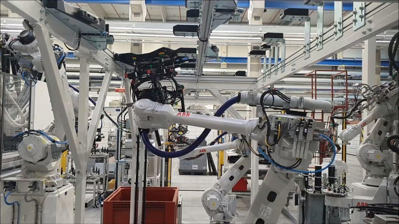 Plastivaloire, fournisseur de pièces plastique pour l'automobile et l'électroménager, compte 35usines.