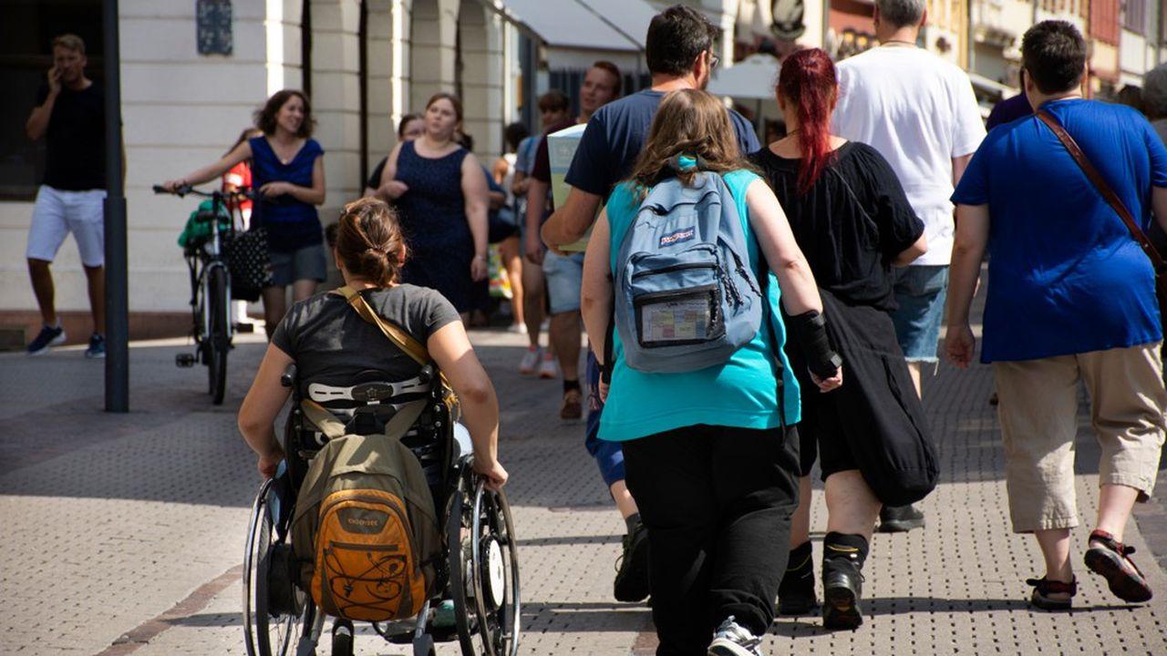En France, en 2015, un adulte sur deux est en surpoids et 17% sont en situation d'obésité.