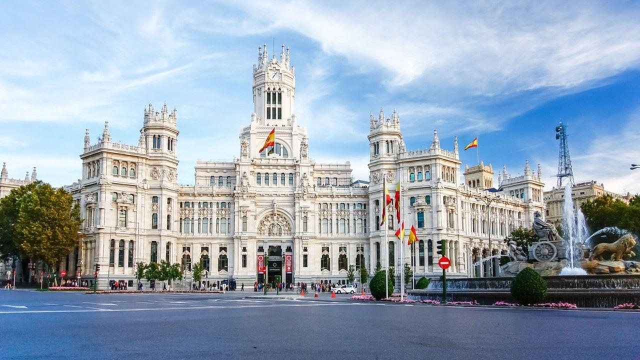 A Madrid, la droite reprend la mairie grâce à une triple alliance très controversée entre les conservateurs du Parti populaire, les libéraux de Ciudadanos, et Vox à l'extrême droite