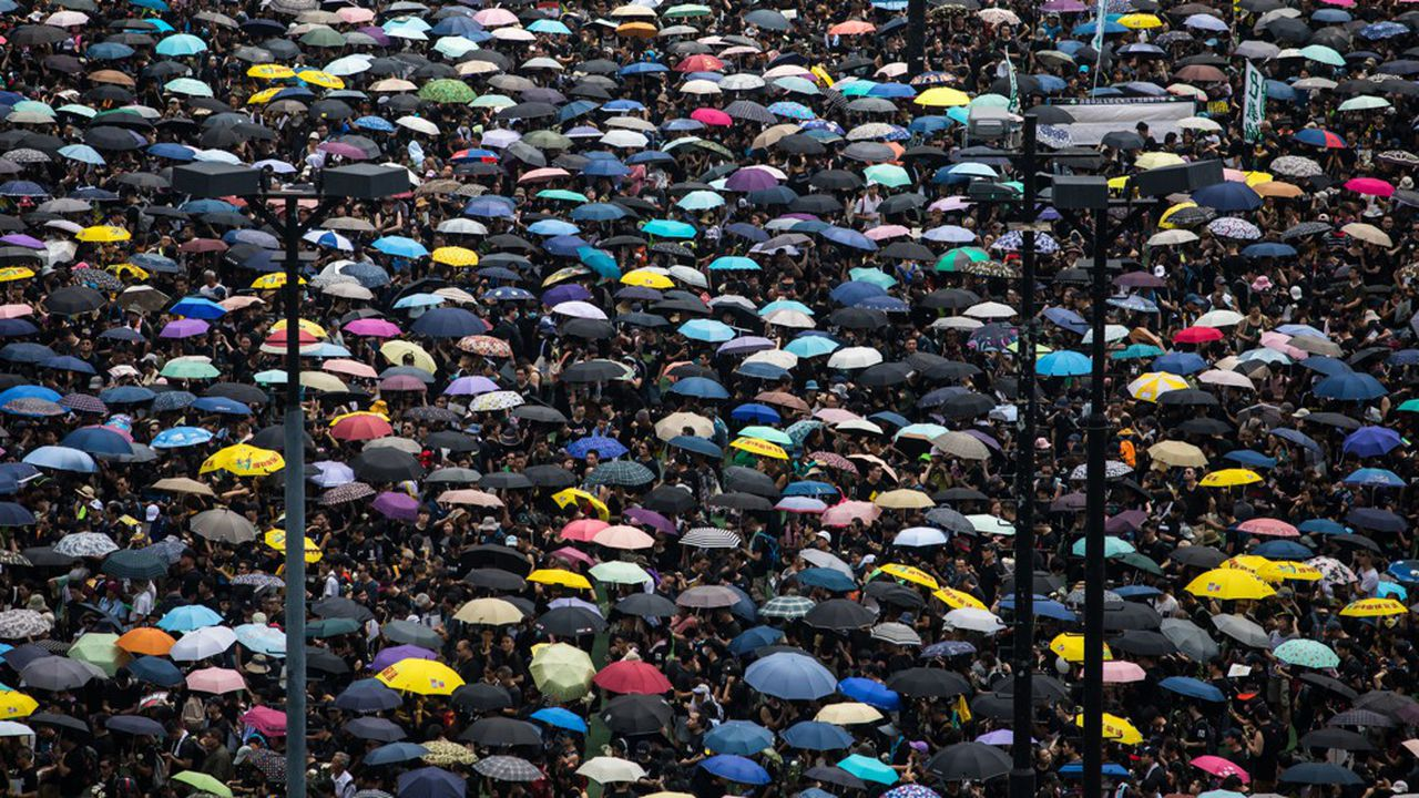 Les manifestants sont venus en masse dimanche à Hong Kong. Leur nombre a sans doute dépassé celui de dimanche dernier.