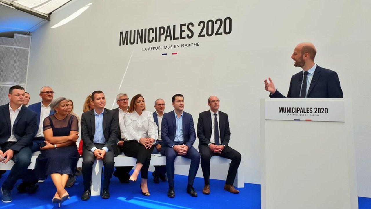 Stanislas Guerini (à la tribune) a présenté ce lundi ses 19 premiers candidats investis par La République En marche pour les municipales du printemps 2020.