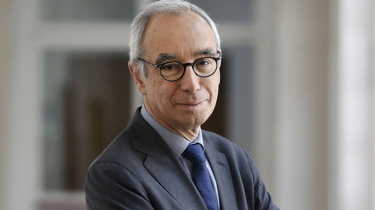 L'économiste Jean Pisani-Ferryestime qu'il faut faire progresser le rôle international de l'euro face au dollar et au renminbi chinois.