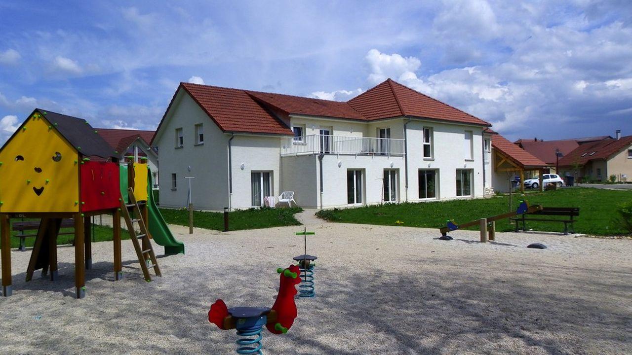 Maison Ages&Vie à La Rivière-Drugeon (Doubs). L'entreprise développe des habitats inclusifs.