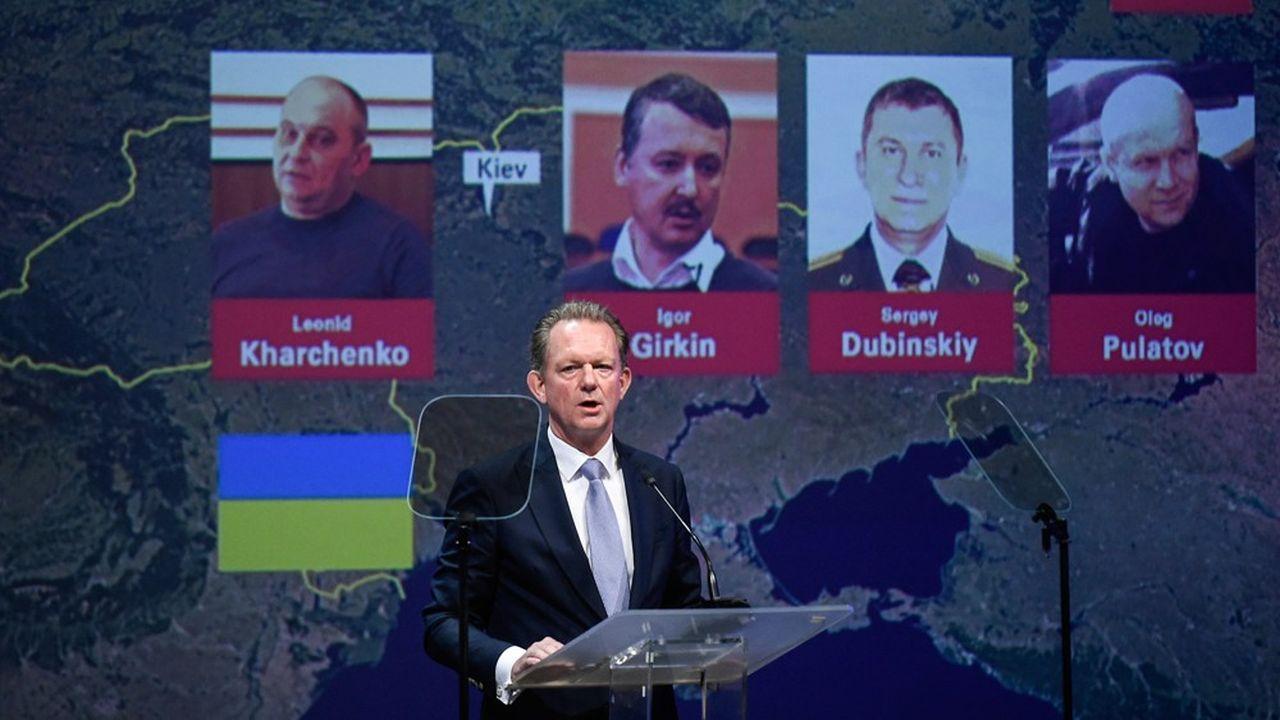 Les enquêteurs ont identifié comme suspects les Russes Sergueï Doubinski, Oleg Poulatov, Igor Girkine et ainsi que l'Ukrainien Leonid Karchenko.