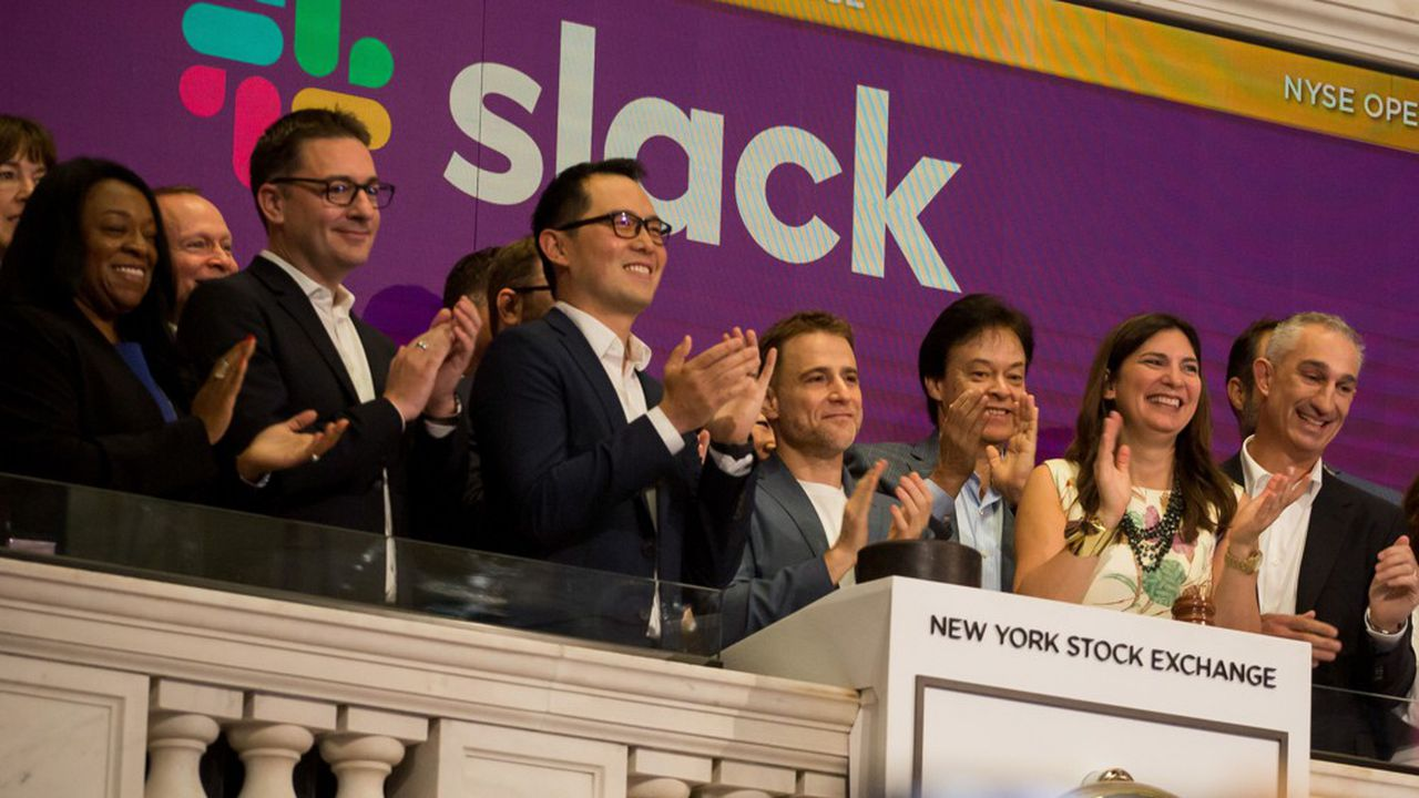 Les dirigeants de Slack, Allen Shim et Stewart Butterfield, ont sonné la cloche du NYSE, ce jeudi à Wall Street, comme c'est la tradition.