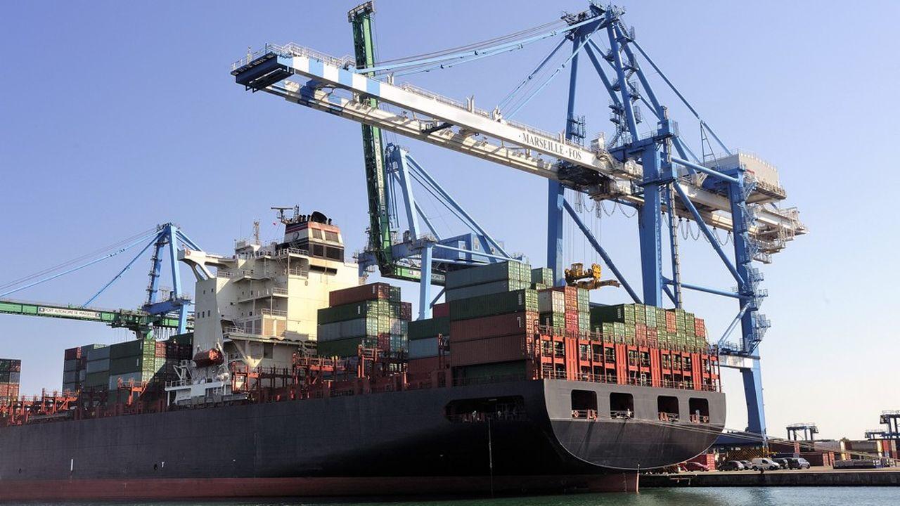 La demande adressée à la France devrait ralentir et n'augmenter que de 2,7% cette année, contre 3,9% en 2018, prévoit l'Insee. En cause, la guerre commerciale à laquelle se livrent les Etats-Unis et la Chine.