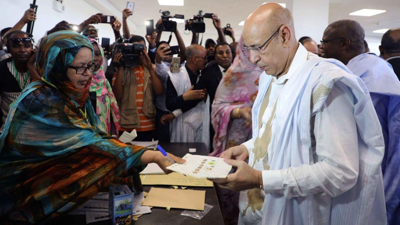 L'ancien ministre de la Défense et candidat du pouvoir, Mohamed Cheikh El-Ghazouani, a proclamé sa victoire dès samedi soir, provoquant la colère de l'opposition