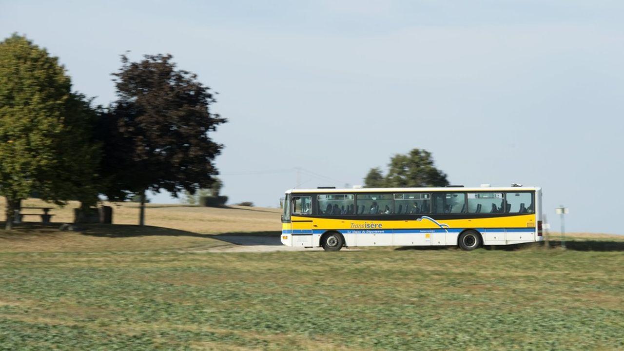L'année 2018 a correspondu à la première année complète de prise en charge des bus scolaires par les régions, jusqu'en septembre2017 gérés par les départements.
