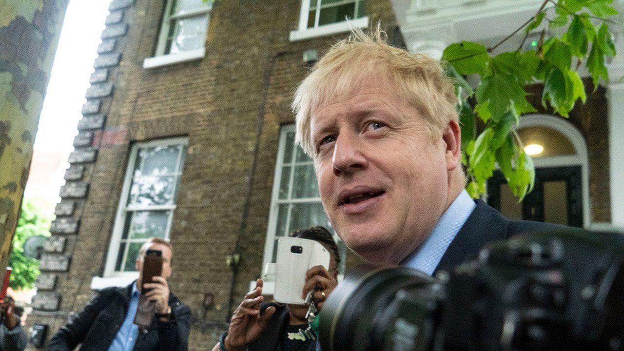 Boris Johnson affirme que sa proposition de baisser les impôts des ménages les plus aisés permettrait de «stimuler» l'économie