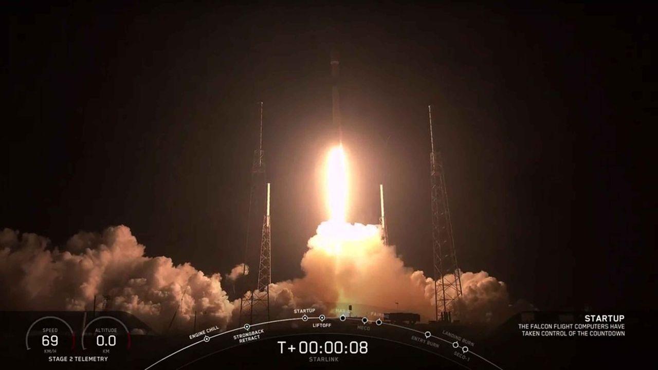 La fusée Falcon Heavy a décollé ce mardi matin depuis le centre spatial Kennedy, en Floride.