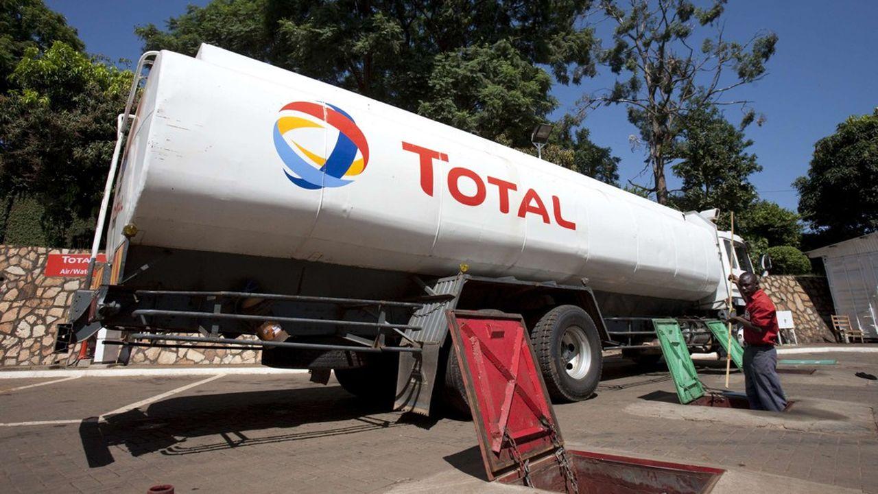 Le projet de Total en Ouganda vise à exploiter les réserves pétrolières de la région du lac Albert, proche de la frontière avec la République démocratique du Congo, estimées à un milliard de barils.