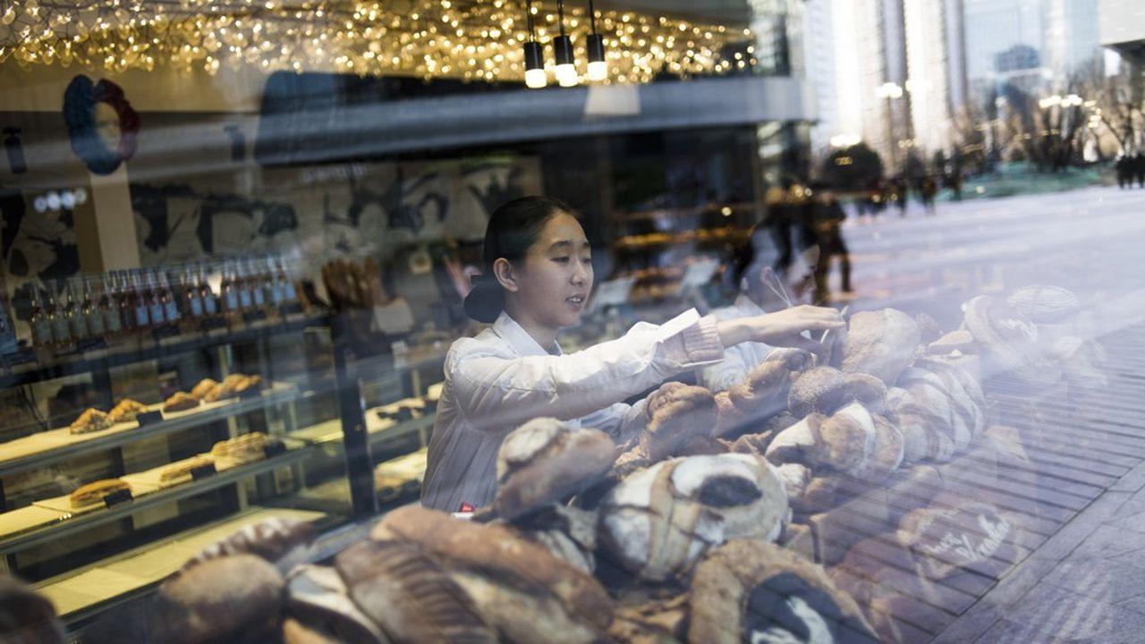La première des trois boulangeries que le groupe est parvenu à ouvrir a été inaugurée en décembre2017 en Chine.