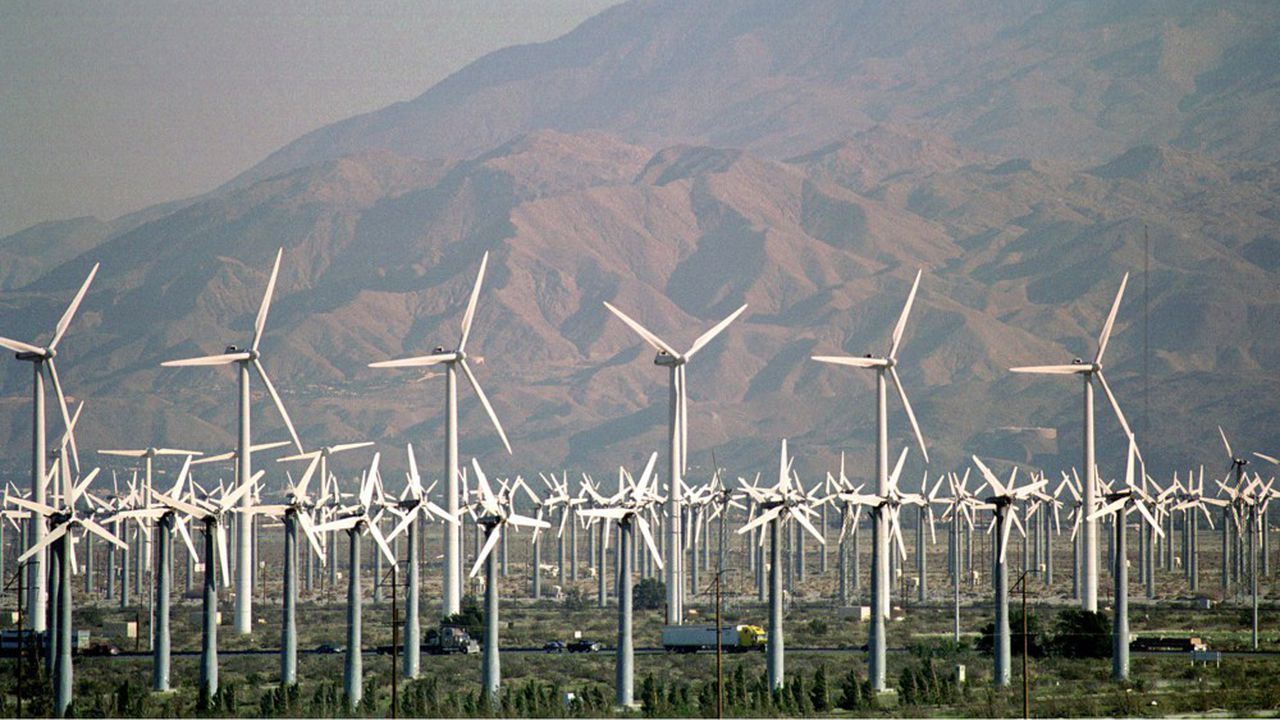 L'éolien devrait ravir cette année le titre de principale source de production d'électricité renouvelable à l'hydraulique, un titre qu'il conservera en 2020 (photo: un champ d'éoliennes àWest Garnet dans le sud-est de la Californie)