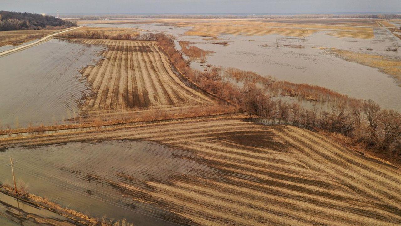 En mars dans le Nebraska, aux Etats-Unis, un champ de maïs noyé. Le Midwest américain a connu parmi les pires inondations depuis des décennies.