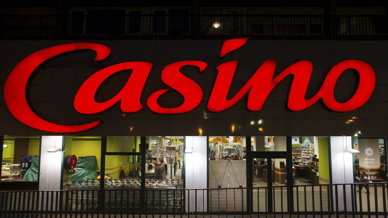 Hyper Casino. Enseigne distribution, grande surface.