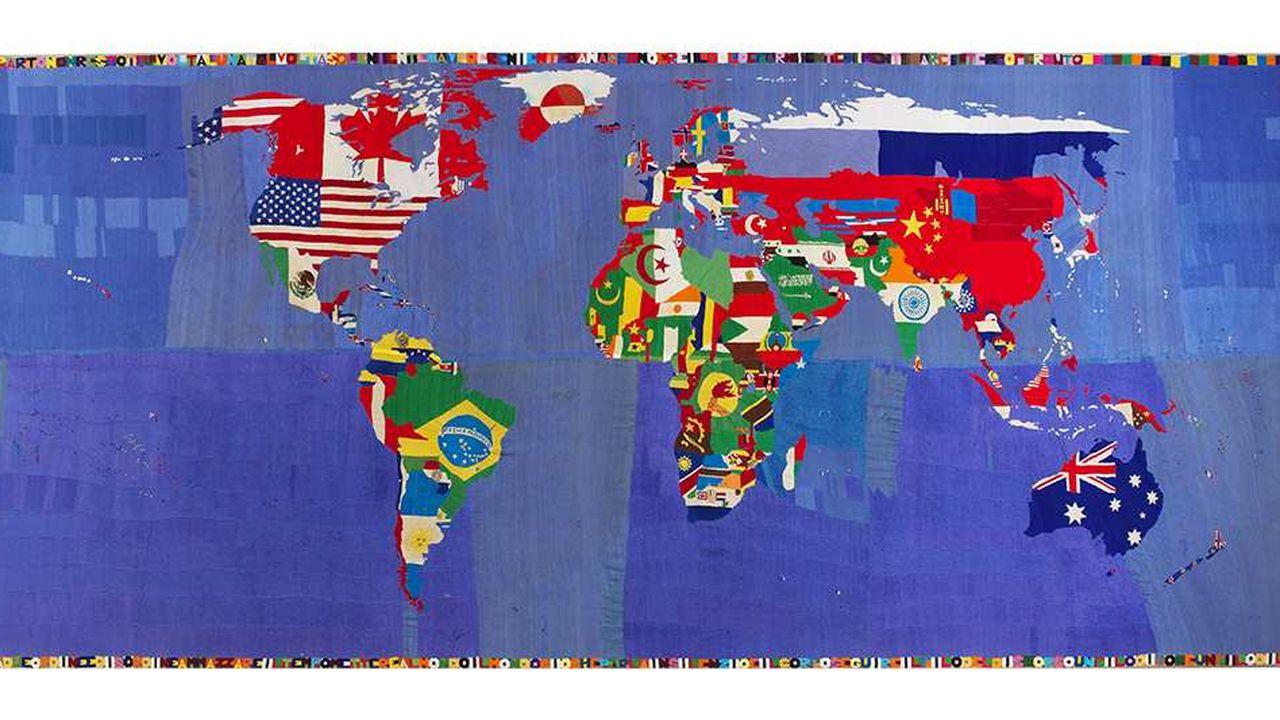 Réalisée enbroderie, une «Mappa» deBoetti, sorted'arrêt sur image sur l'état du monde.