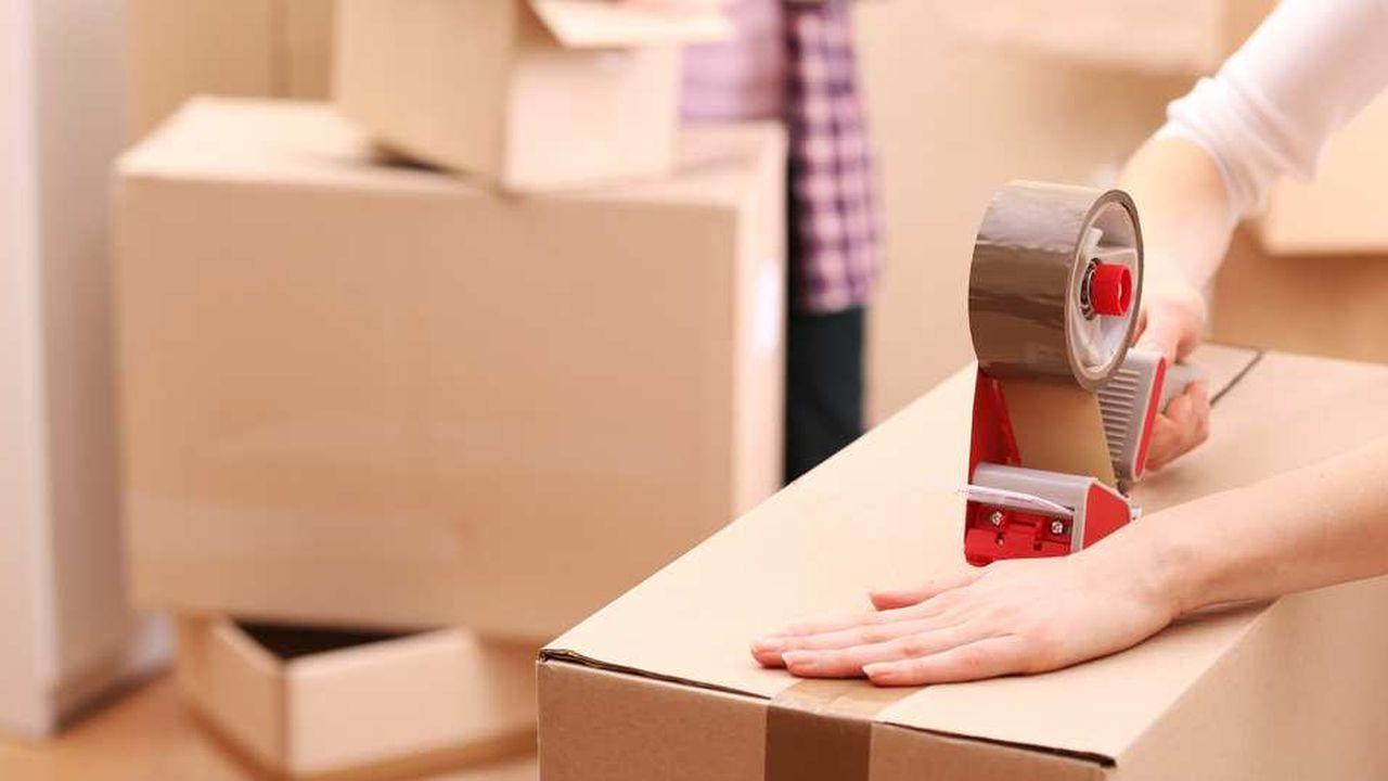 Plus de quatre Français sur dix affirment que le poids des frais de notaire les retiendrait de déménager pour une opportunité professionnelle, révèle une étude Orpi/OpinionWay.