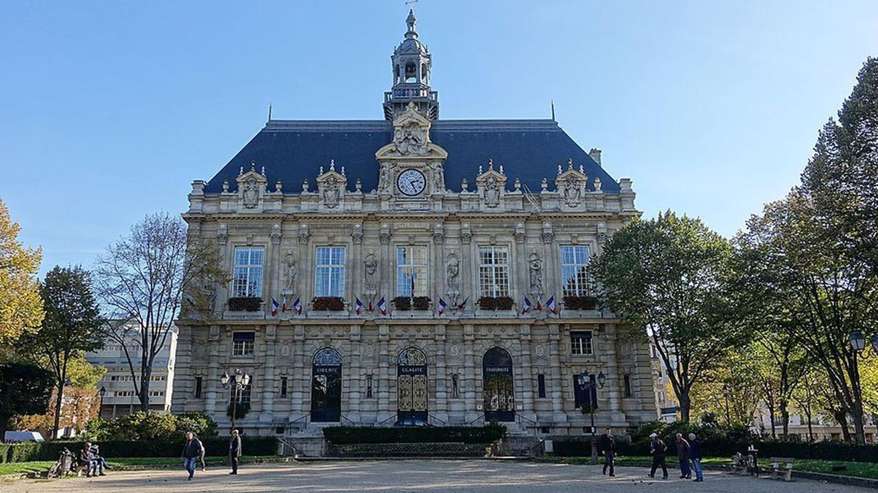 Reliée à la capitale par la ligne 7 du métro et le RER C, Ivry-sur-Seine attire principalement les jeunes actifs aux petits budgets.