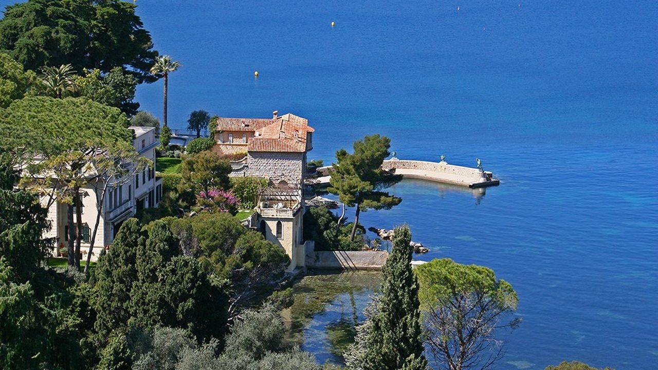 Saint-Tropez et Ramatuelle constituent le secteur immobilier le plus actif de la Méditerranée attirant une clientèle du monde entier.