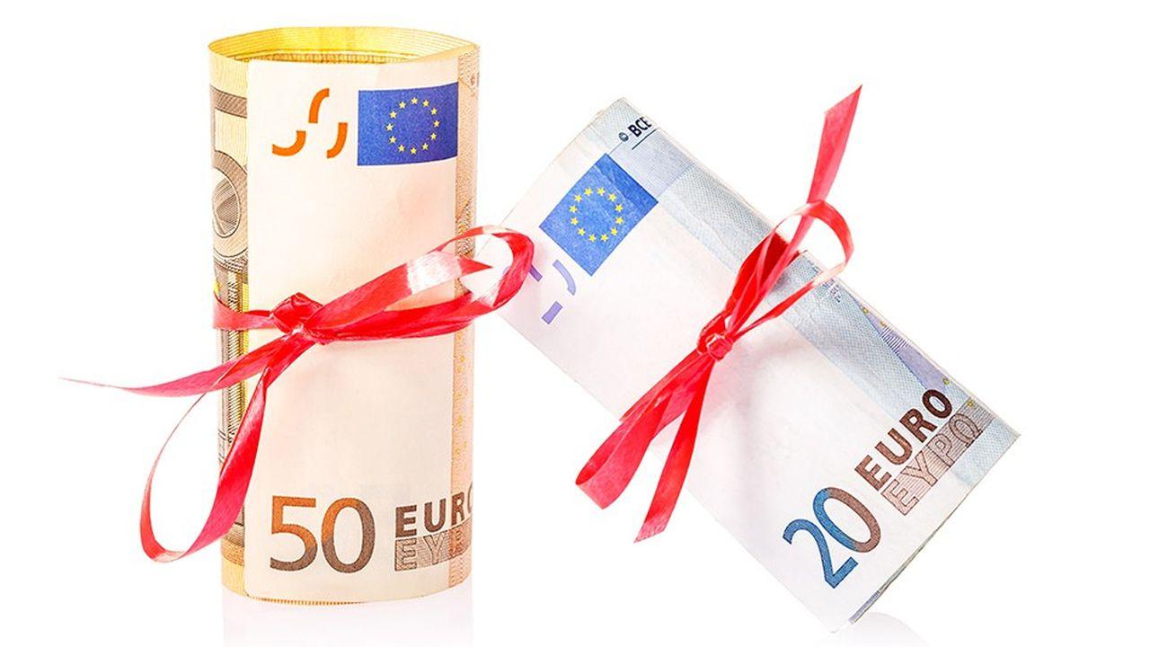 Contrairement aux dons, les présents d'usage ne sont jamais taxables, quel que soit leur montant.