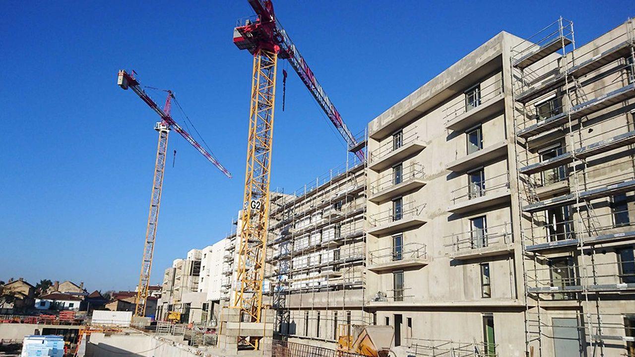 2248590_les-ventes-de-logements-neufs-baissent-mais-restent-a-un-niveau-eleve-web-tete-060810249171.jpg