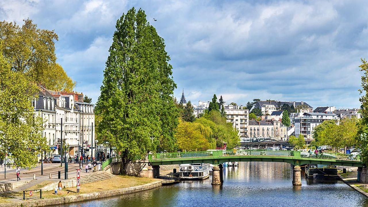 A Nantes, les prix ont bondi en un an de 10,3%, franchissant la barre des 3.100euros le m2 (3.144euros, au 1eravril, selon MeilleursAgents.com).