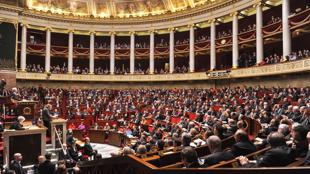 Le texte, déjà voté le 5 avril par le Sénat, été validé dans une version modifiée par 441 voix pour, 30 voix contre et 61 absentions.