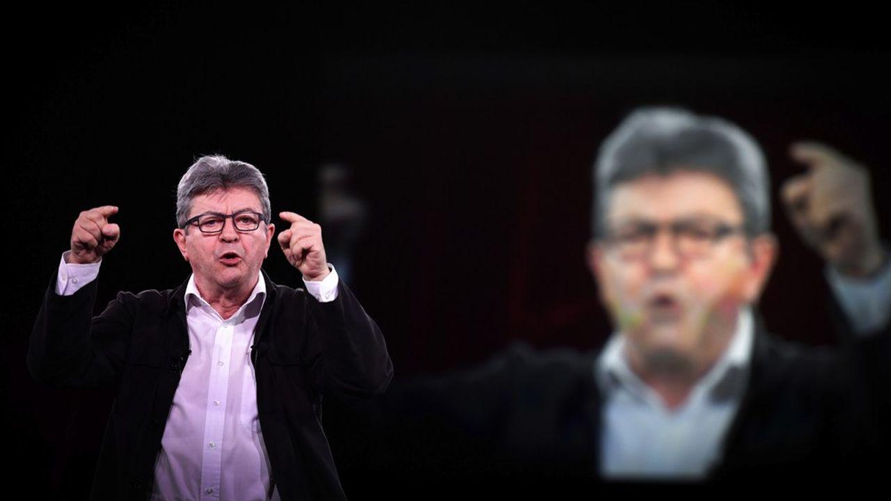 Le chef de file de La France insoumise, Jean-Luc Mélenchon, sera jugé en correctionnelle en septembre, dans l'affaire des perquisitions houleuses qui se sont déroulées chez lui et au siège du parti en octobre dernier.